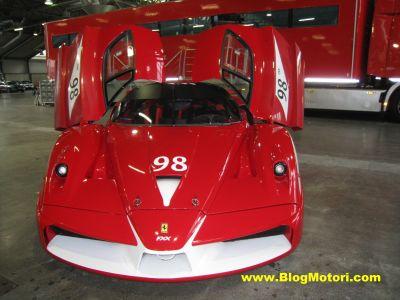 Al Motor Show 2009 grande spettacolo con le Ferrari in pista FXX 00
