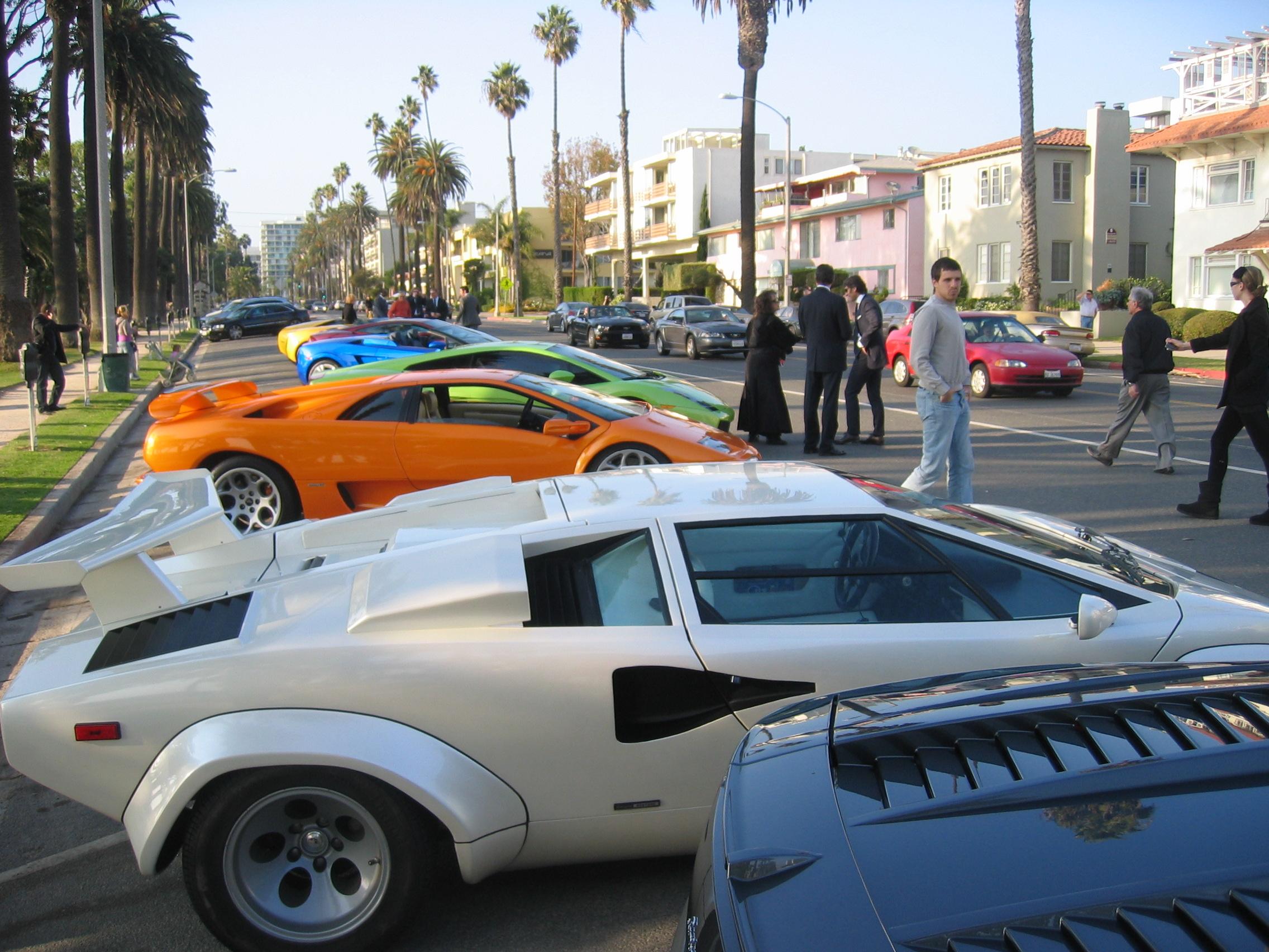Automobili Lamborghini: nuova boutique alle porte di Los Angeles (immagini e video)
