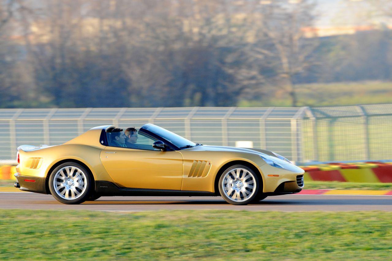 P540 Superfast Aperta: vettura unica ispirata alla Ferrari Fantuzzi del film Toby Dammit del grande Fellini