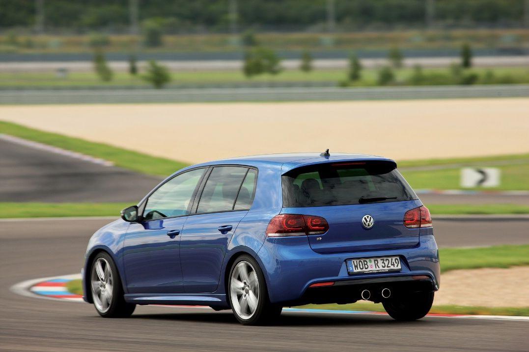 Volkswagen Golf R e Scirocco R: immagini e prezzi delle due ...