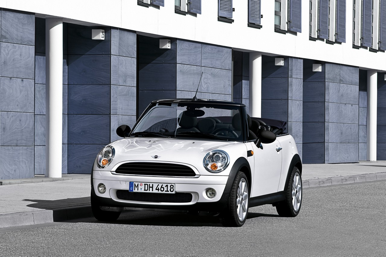 La MINI, la MINI Clubman e la MINI Cabrio si presenteranno nel 2010 ...