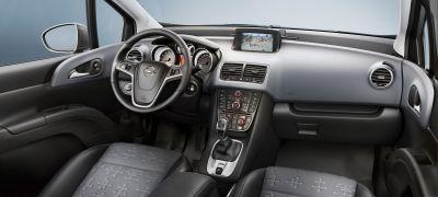 Nuova Opel Meriva nuove immagini, anche degli interni 00