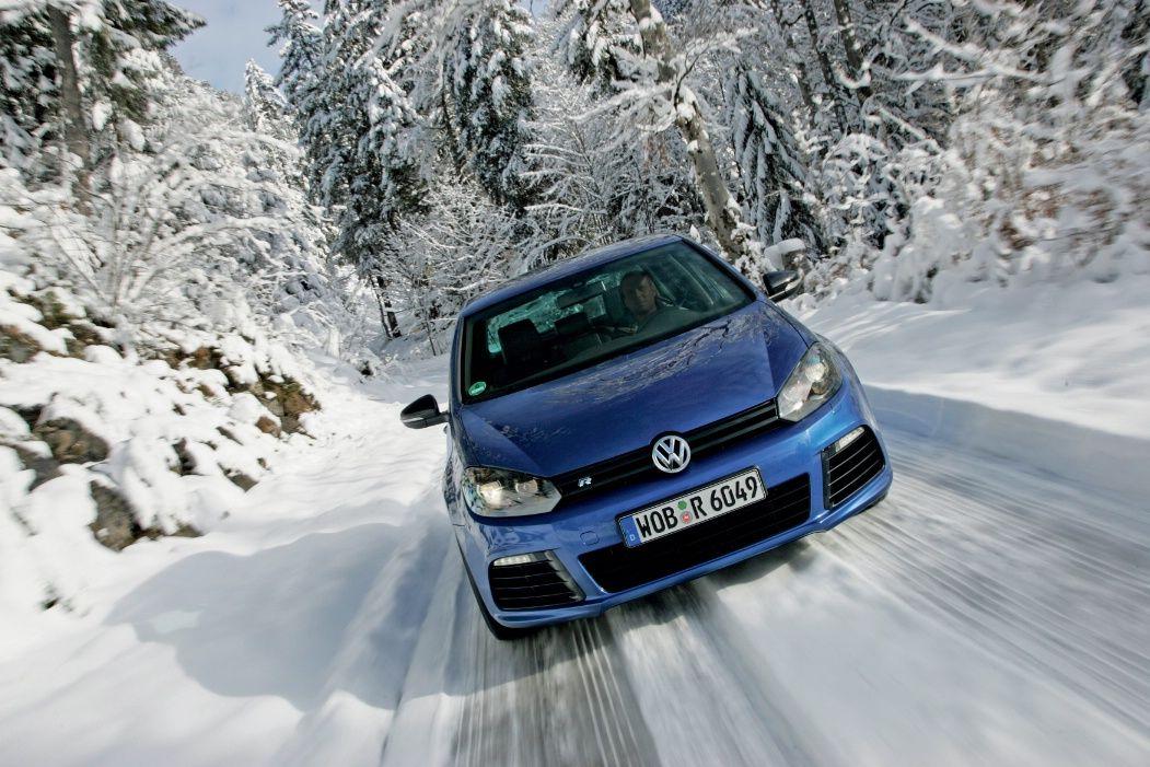 Nuova Volkswagen Golf R: caratteristiche tecniche, immagini e prezzi