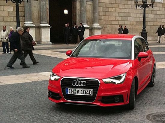 Audi A1: prime immagini su strada