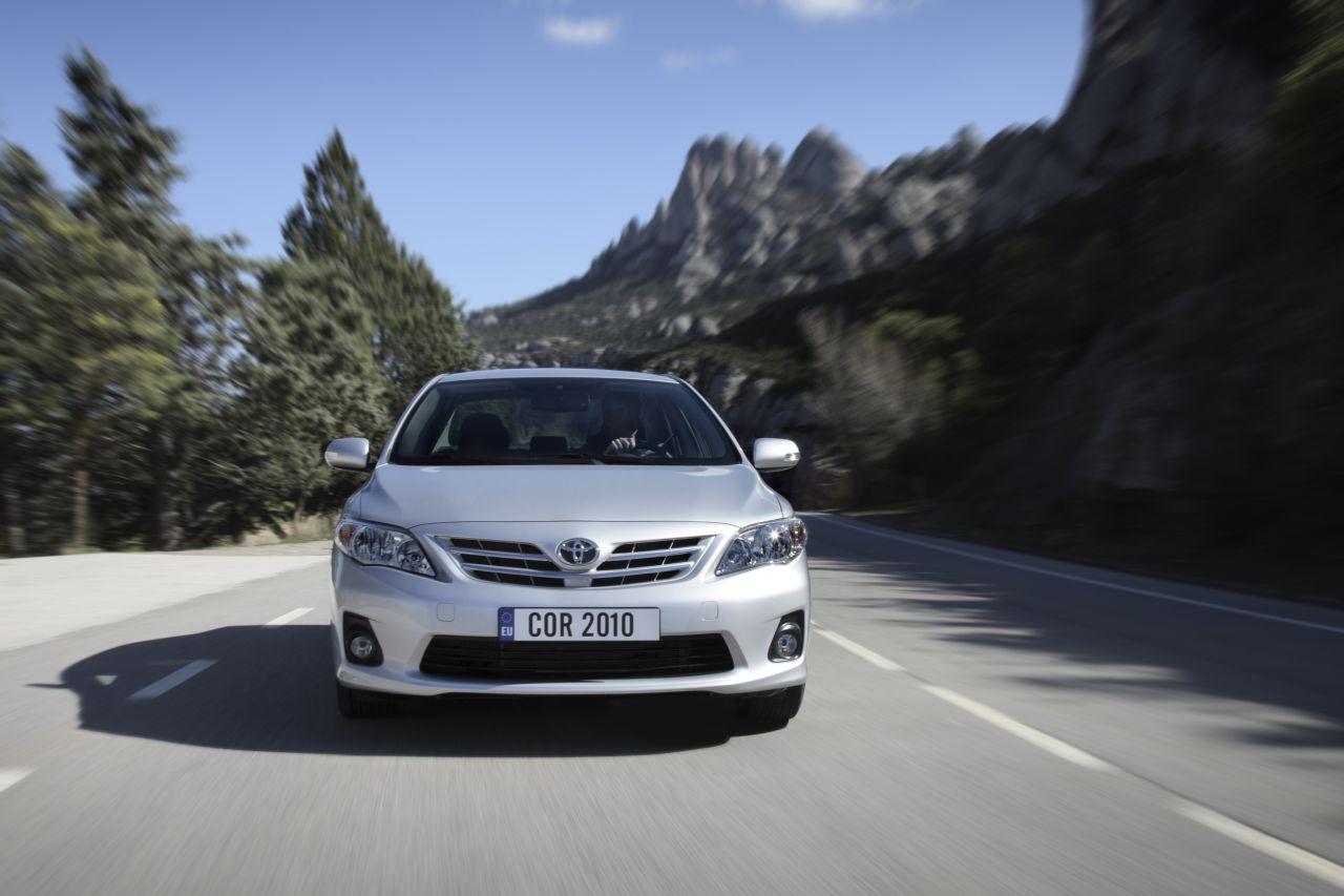 Toyota Corolla 2010: nuove immagini del best seller