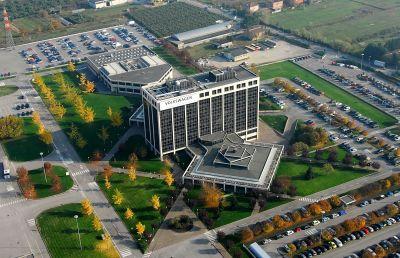 Volkswagen Group Italia l'Azienda veronese ha fronteggiato efficacemente la crisi economica 00