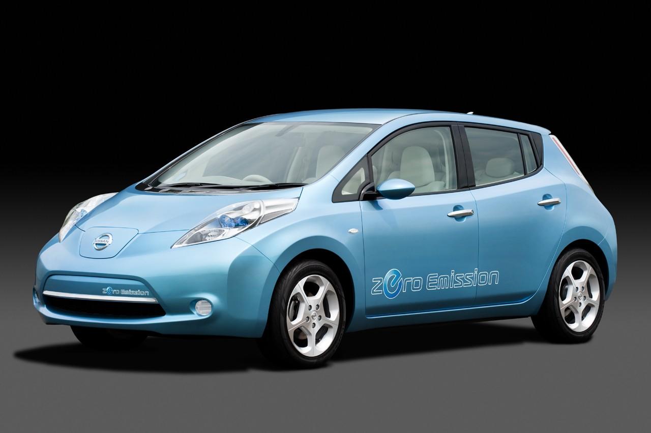 Nissan Leaf: meno di 30.000 euro per la prima auto elettrica a emissioni zero per il mercato di massa