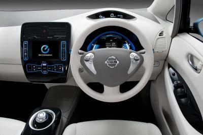 Nissan Leaf meno di 30.000 euro per la prima auto elettrica a emissioni zero per il mercato di massa