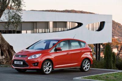 Nuova Ford C-MAX nel 2013 i modelli ibridi elettrici e ibridi elettrici ricaricabili