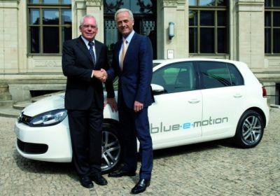 Volkswagen Golf Blue-e-motion presentata a Berlino la versione elettrica