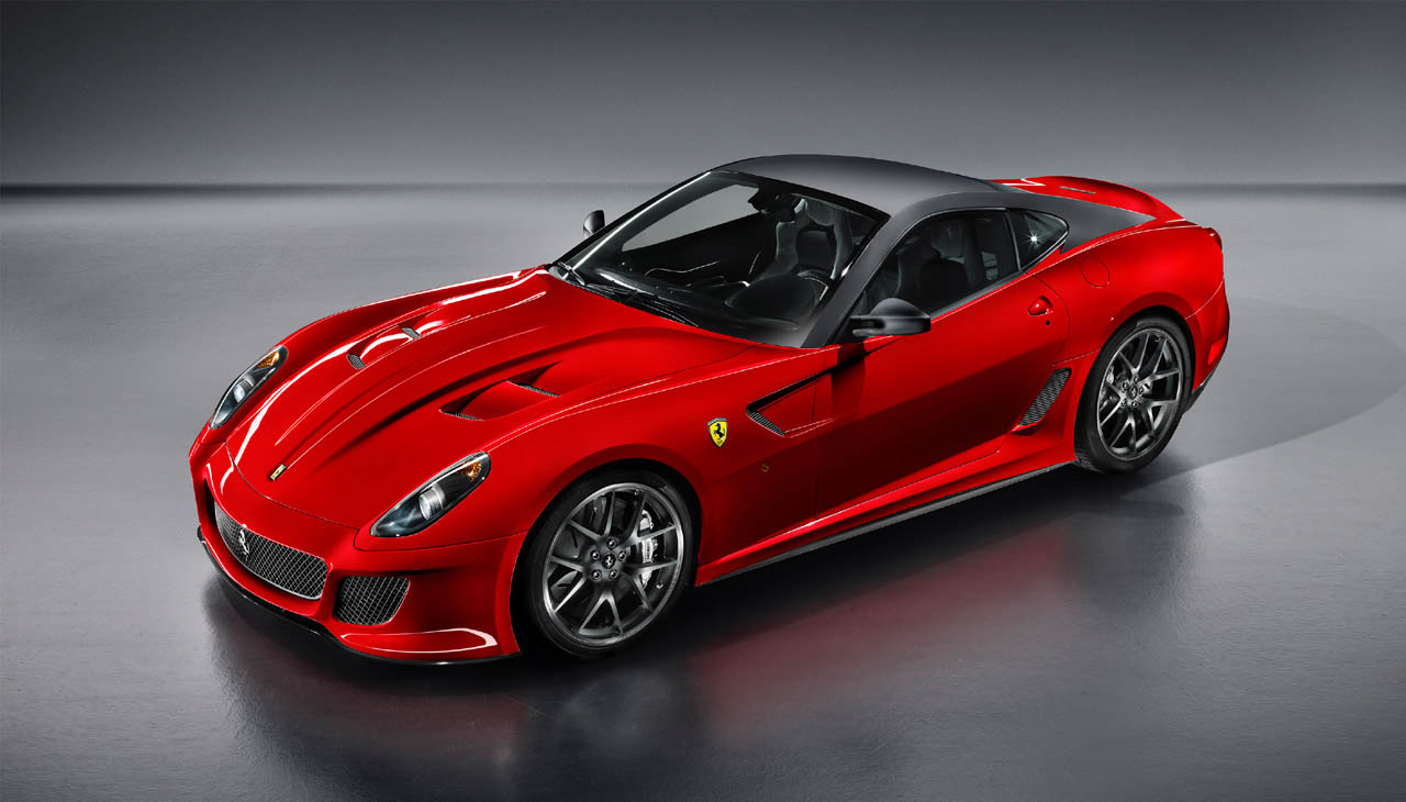 Ferrari 599 GTO: il video del test-drive di EVO