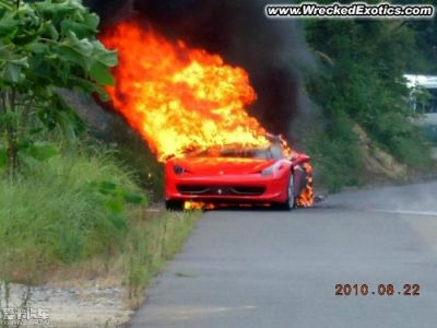 Ferrari 458 Italia flambè richiamate 1.248 vetture
