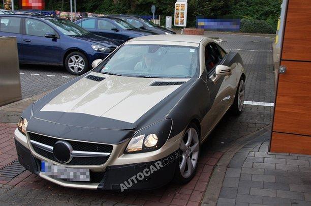 Nuova Mercedes SLK: foto spia e conferma del propulsore diesel