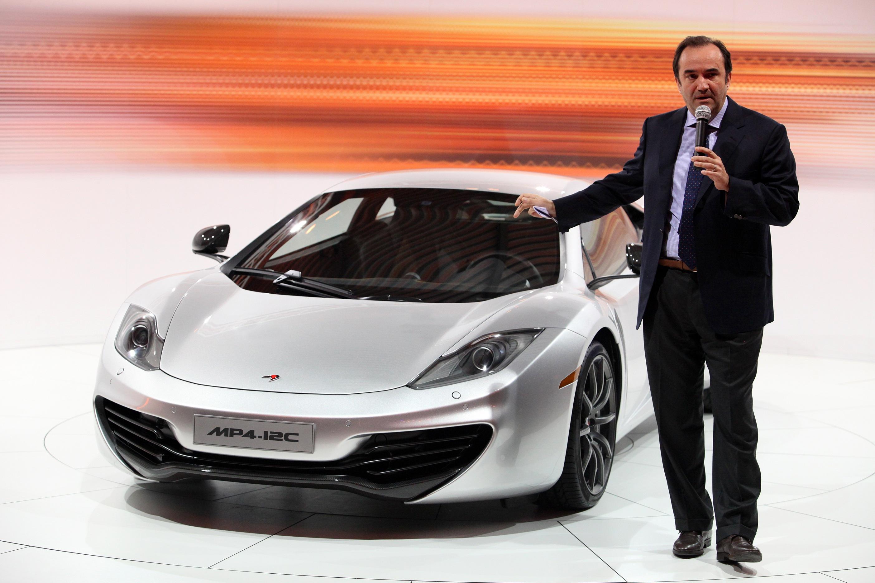 McLaren Automotive presenta la MP4-12C e il partner Fassina per la commercializzazione in Italia