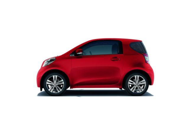 Toyota iQ 2010: immagini e caratteristiche della nuova gamma