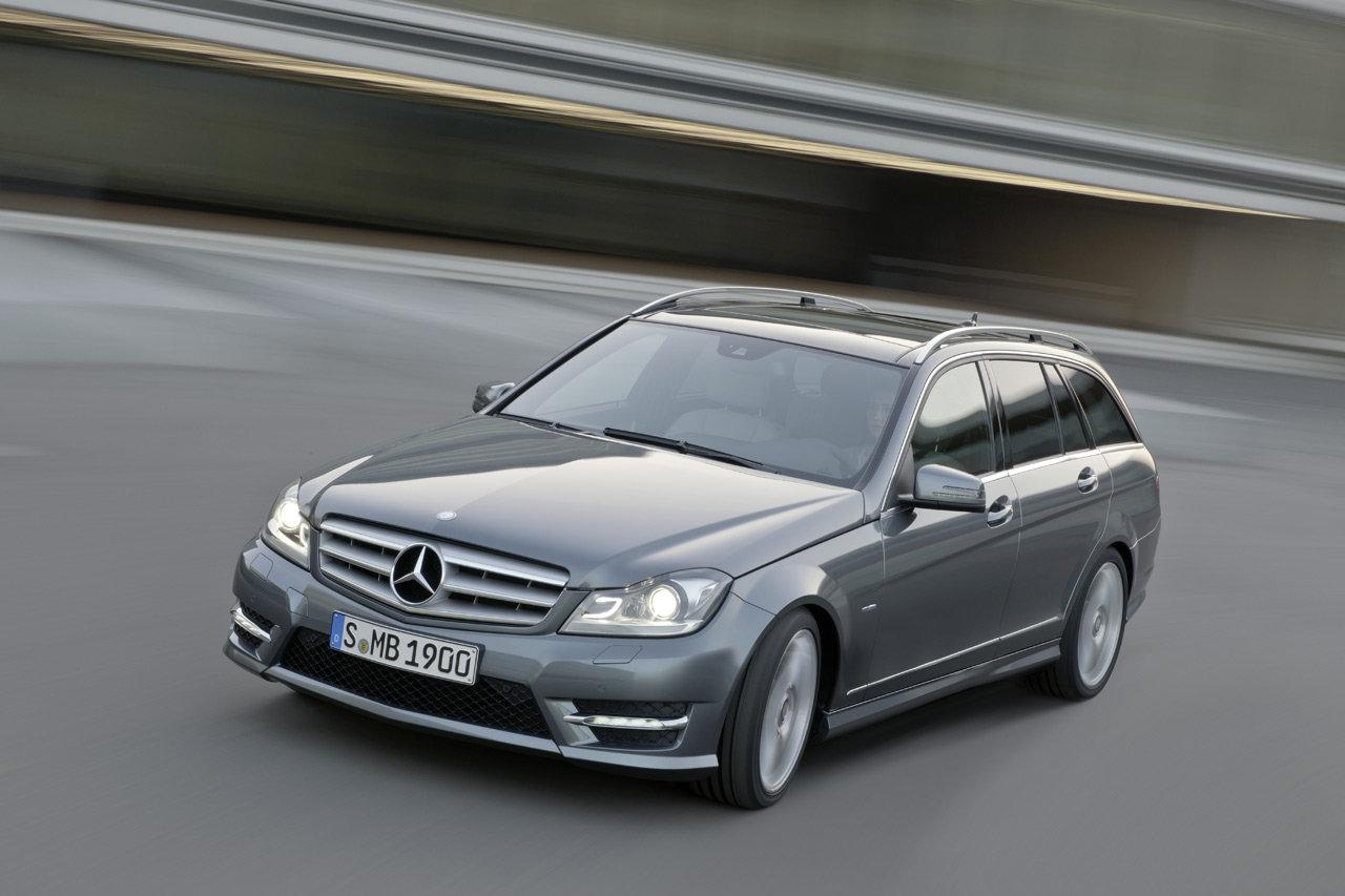 Mercedes-Benz Classe C 2011: aspetto più incisivo e consumi ridotti