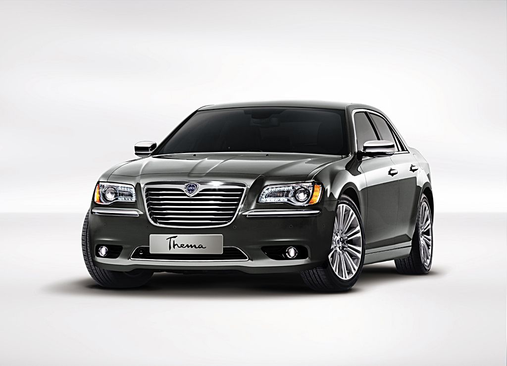 Nuova Lancia Phedra. New Lancia Thema