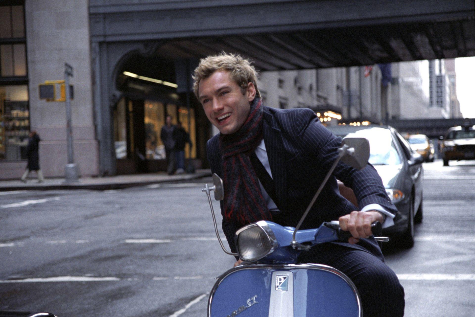 Vespa, lo scooter più famoso del mondo, sarà protagonista ai Nastri d'Argento di Taormina