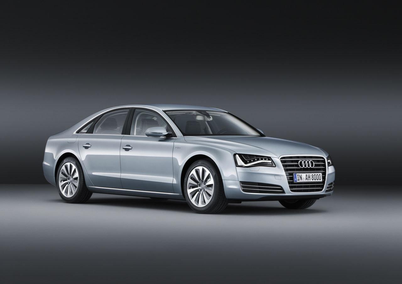 Audi A8 hybrid: potenza massima di 245 CV e consumo inferiore a 6,4 l/100 km