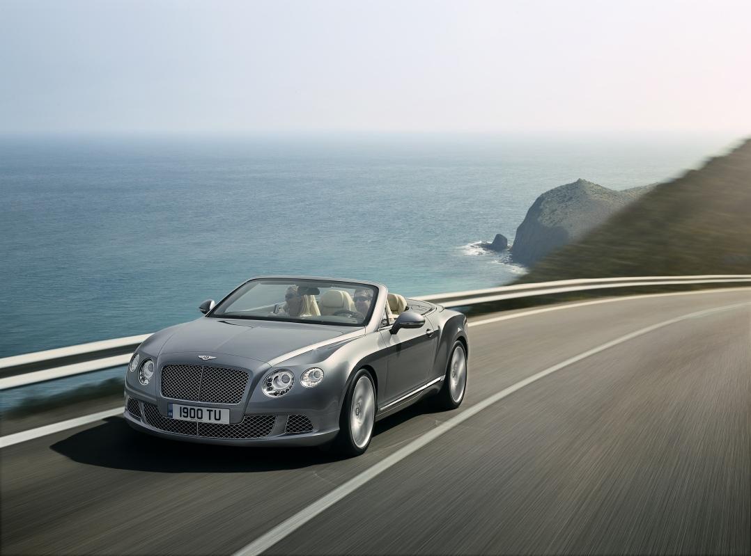 Bentley Continental GTC: a Francoforte la regale cabrio britannica