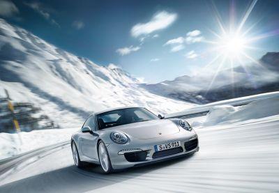 Corsi di guida Porsche: dalla Finlandia al Sud Africa, passando per le Alpi lombarde a bordo della 911
