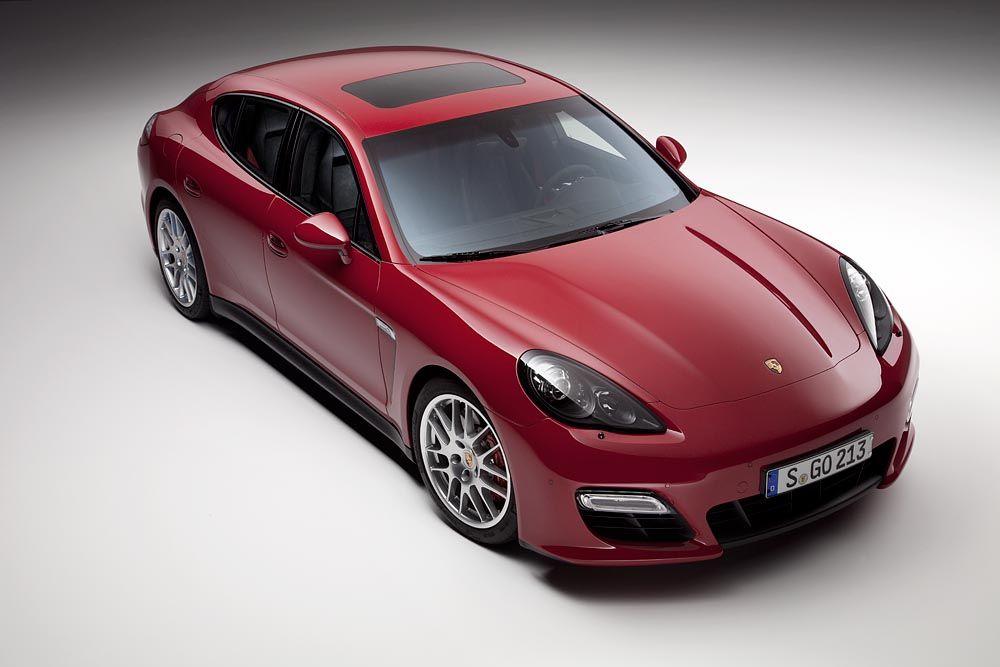 Panamera GTS: video e immagini ufficiali della nuova Gran Turismo Sport