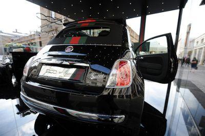 Fiat 500C by Gucci: qualità e lusso in scena a Piazza  San Babila