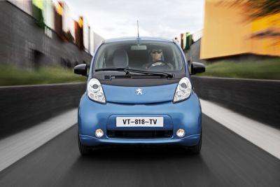Peugeot iOn: 30.387 euro chiavi in mano