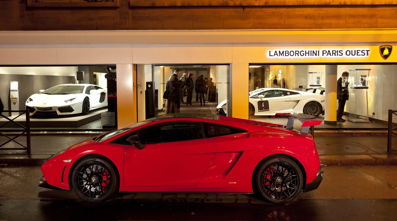 Lamborghini Paris Ouest: nuova concessionaria della Casa del Toro