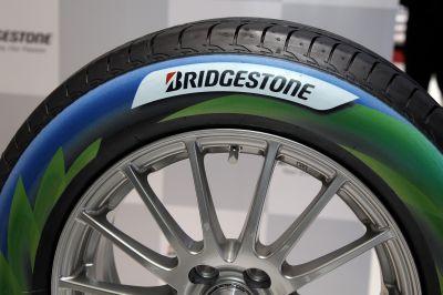 In Europa il 63% degli automobilisti viaggia con pneumatici a bassa pressione. I dati dell'indagine Bridgestone