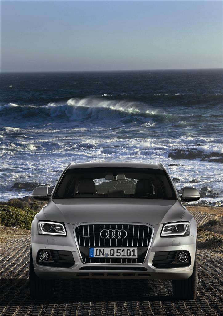 Audi Q5 Hybrid quattro: potenza di un V6, consumi di un 4 cilindri