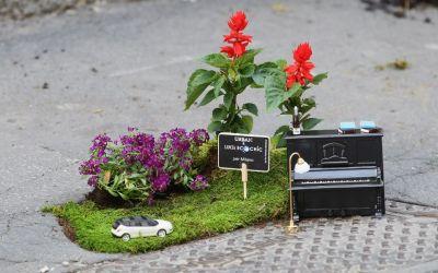 """Fuorisalone 2012: protagonista Lancia e """"the pothole gardener"""" il più famoso tra i Guerrilla Gardening"""