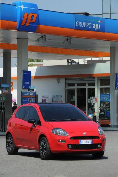 Caro-carburanti? Accordo Fiat – IP, fino al 2015, benzina e gasolio a 1€