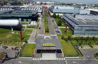 Ferrari riceve il premio per l'Innovazione e Ricerca dal governo Britannico