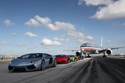 Lamborghini Aventador LP 700-4 Roadster protagonista al Miami International Airport [VIDEO]