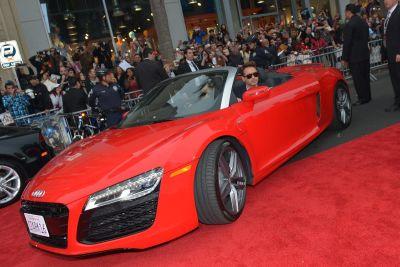 Iron Man 3: Tony Stark alla guida di una fiammante Audi R8. Le immagini della premiere hollywoodiana
