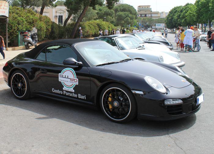 50 anni di Porsche 911: al via l'Italian Tour, si parte da Bari