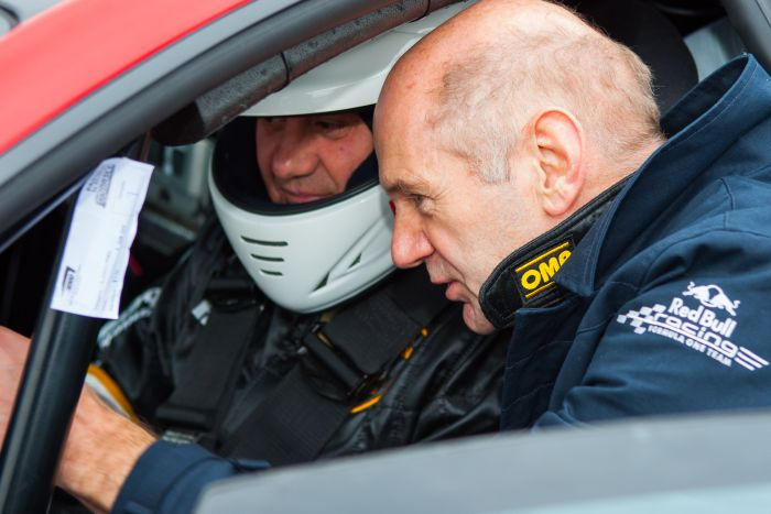 Adrian Newey et Alberto Sabbatini sur la Lamborghini Super Trofe