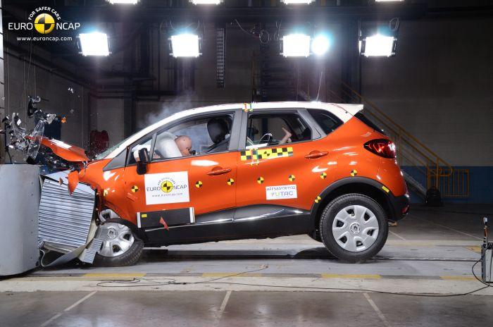 Renault Captur: bella e anche sicura, lo certifica Euro NCAP.