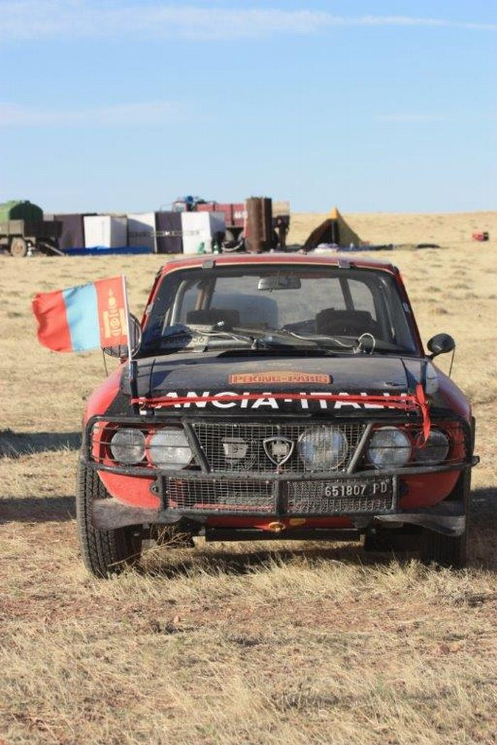 Tra Cina, Mongolia e Russia in Lancia Fulvia Coupè 1300