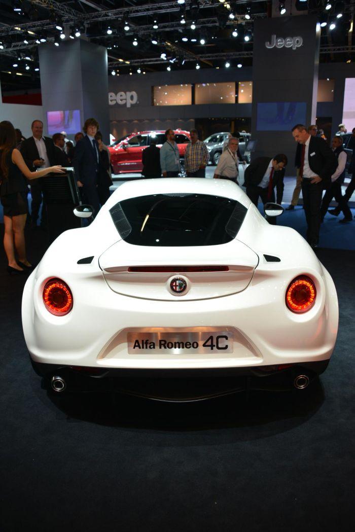 Alfa Romeo 4C 08
