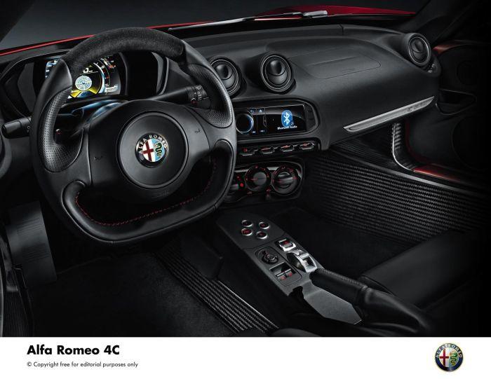 Alfa Romeo 4C 09