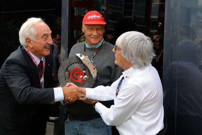 Brembo premia Niki Lauda durante il Gran Premio d'Italia di Formula Uno