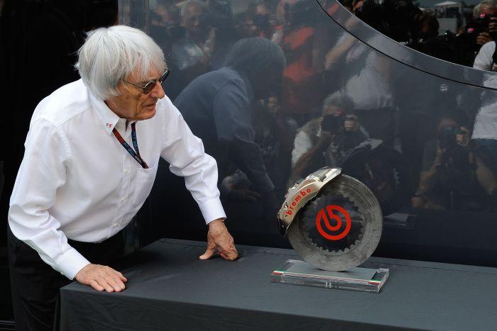 Brembo premia Niki Lauda durante il Gran Premio d'Italia di Formula Uno 02