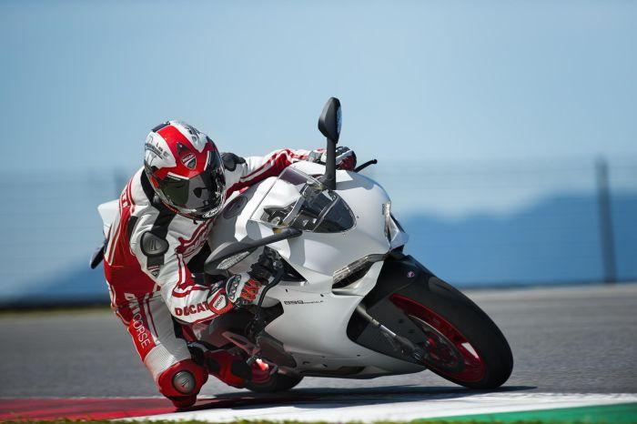 Ducati 899 Panigale dopo Francoforte appuntamento al GP di San Marino 02