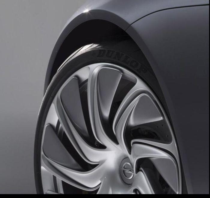 Opel Monza Concept gommata Dunlop all'IAA 2013 02