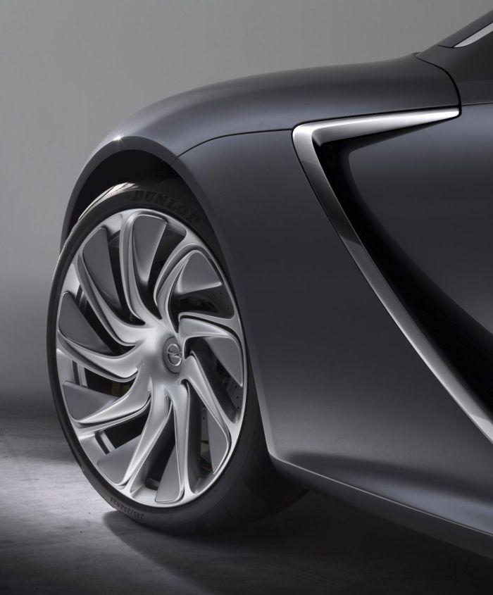 Opel Monza Concept gommata Dunlop all'IAA 2013