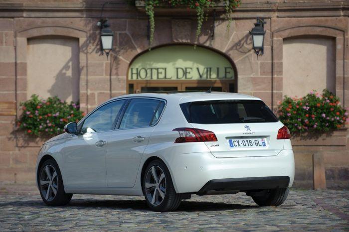 Peugeot 308: tutto sulla nuova vetture francese di segmento C