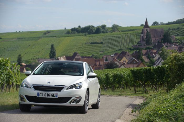 Peugeot 308 tutto sulla nuova vetture francese di segmento C 02