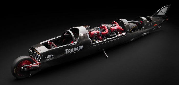 Triumph sfida la velocità sul lago Bonneville